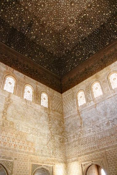 14 壁・天井の装飾.jpg